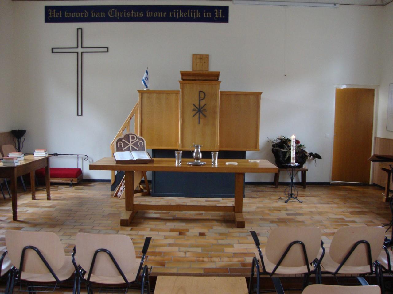 Binnen het kerkje